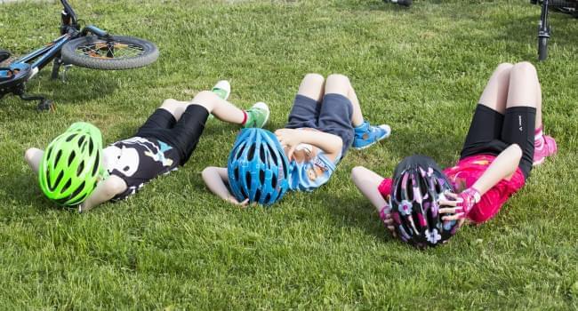 Jak vybrat dětskou helmu na kolo