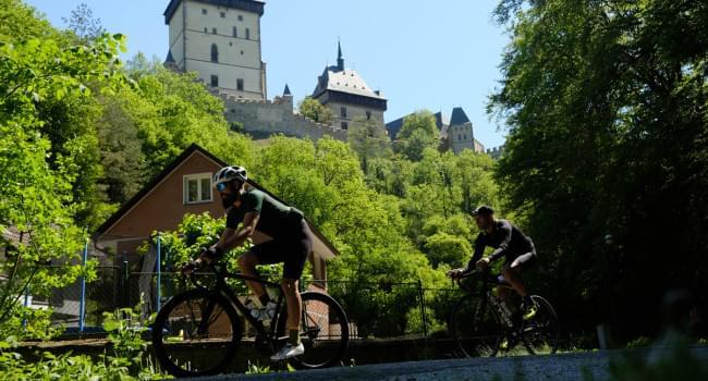 Cyklotrasa silnice - Z Radotína na Ameriku, Karlštejn, Halouny a zpět - 86 km