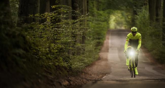 Jak vybrat přední světlo na kolo