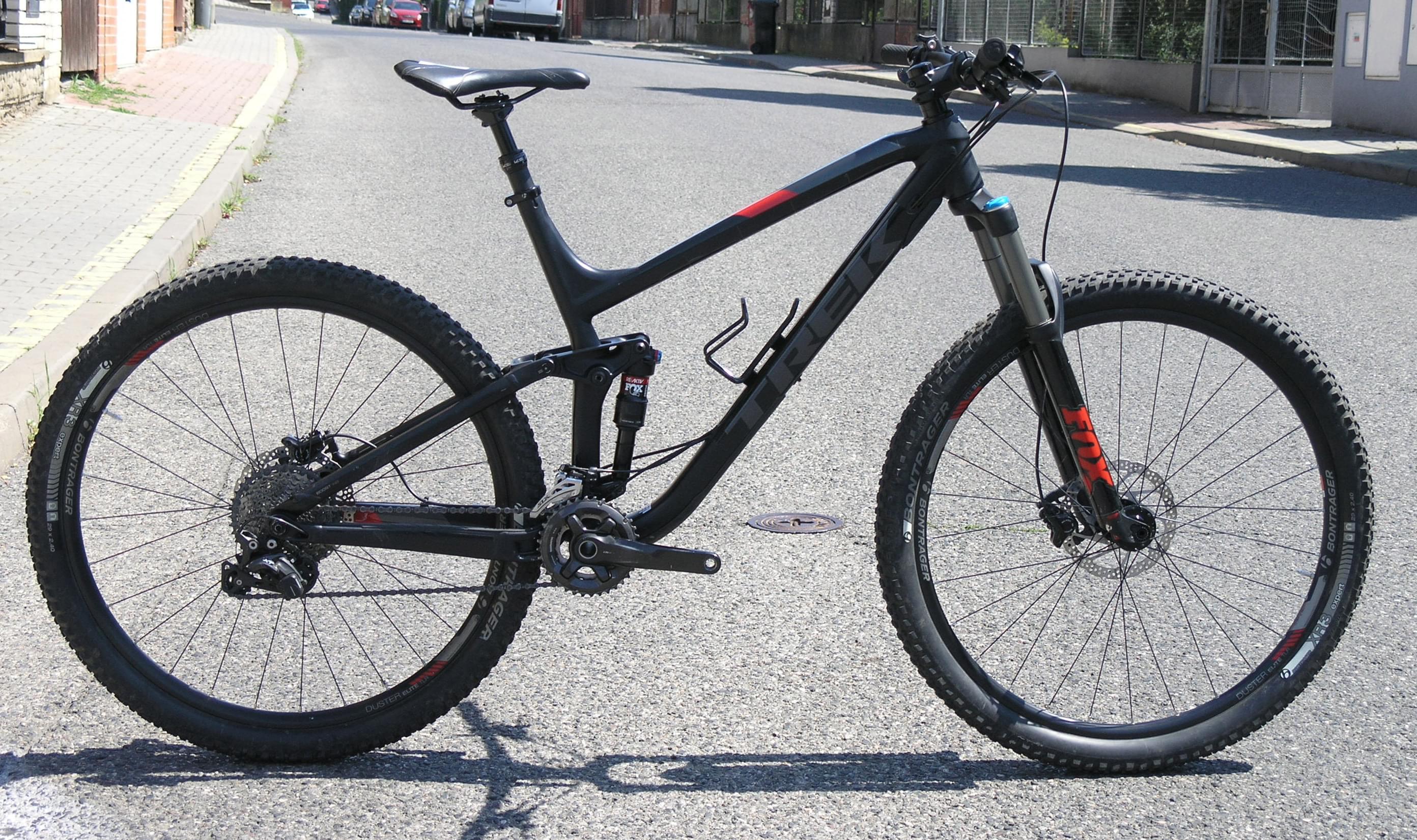 "b7e7516c17 Bazar - Celoodpružené horské kolo Trek Fuel EX 8 29 - Matte Trek Black –  velikost rámu 21"""